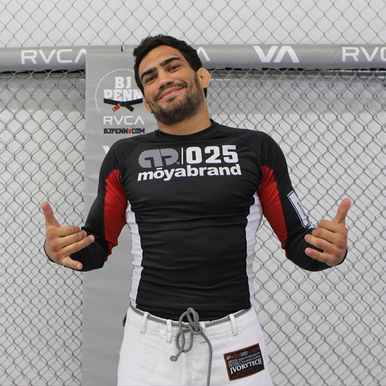 """Moya Brand Black Longsleeve Rashguard -60$ NOT APPROVED. Witnessed a couple furious black belts that stated the """"site"""" said it was ok but the officials weren't budging **2014 update:they are still advertising it as approved and it is NOT** beware folks."""