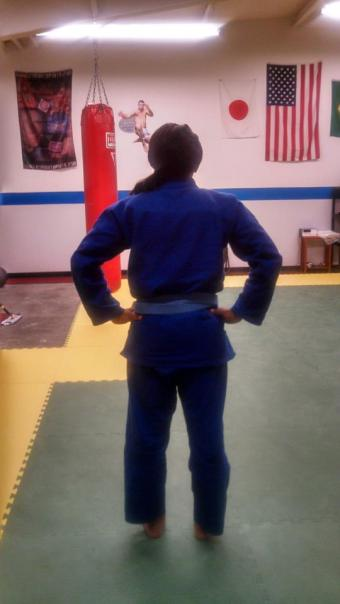 Here's a pic of the back of the gi to see the fabric bunching, or lack thereof